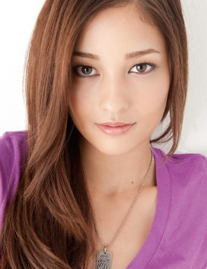 Random Roundup: Jisoo knows she cute, Yubin & Sori dance